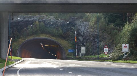 STENGT ATTER EN GANG: Bømlafjordtunnelen har vært stengt fire ganger de siste fire dagene. Arkivfoto: Torstein Eide