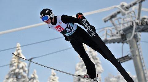 HOPPER BRA: Benjamin Pettersen (19) ser frem til å få hoppe NM-kvalifisering i hopp i Granåsen og Trondheim i neste uke. Foto: Svein Halvor Moe