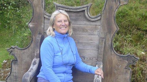 ØNSKER INNFLYTELSE: Janicke Karin Solheim er Miljøpartiet De Grønnes 1.-kandidat til kommunestyret i Lier. Her på Gulating, Norges demokratis vugge. Foto: privat
