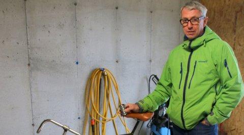 Kjetil Hansens store lidenskap er å pusse opp veteransykler.