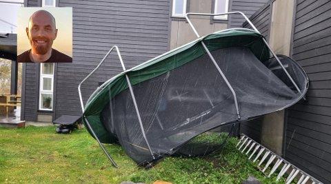 Trampolinen har fått seg en luftetur i uværet.
