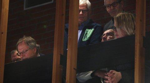TILHØRERE: Tilhørerne på galleriet brøt flere ganger ut i applaus, og sa etterpå at de var skuffet, men ikke overrasket.