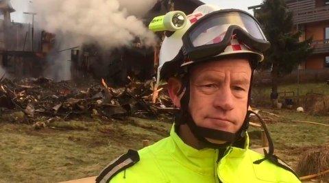 BRANN: Overbrannmester Roy Kristensen varsler om en kontrollert avsviing på Jeløy lørdag.