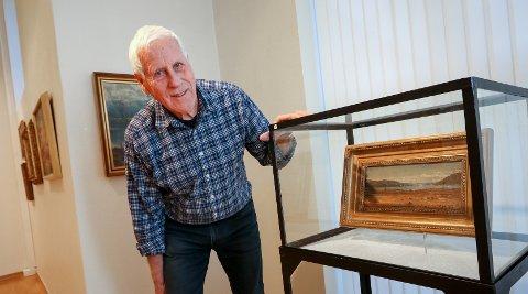 VERDIFULLT: Moss Kunstforening viser utstillingen «Perler fra magasinet» i Moss kunstgalleri. Olav Hansen med et maleri av Hans Fredrik Gude.