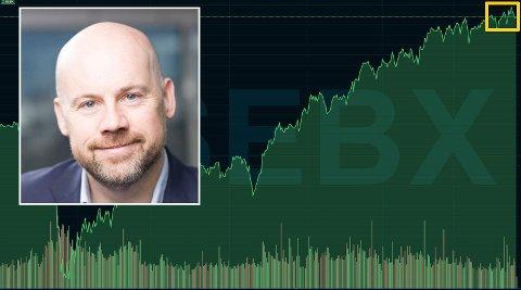 TIL HIMMELS?: Etter lang tid med oppgang forventer mange en korreksjon. Analysesjef Petter Slyngstadli har klare råd til aksje- og fondssparere. Grafen viser hovedindeksen på Oslo Børs siden 1. januar 2020. Den er nå på rekordnivå.