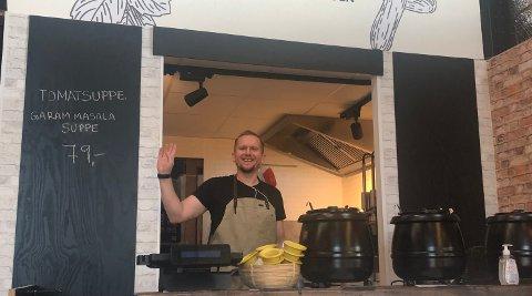 Dima Heger i boden på Vippa. Den er nå stengt på grunn av korona, men han fortsetter å selge suppe på Ekeberg.