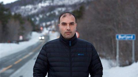 SVIKTET: Mohamad Rakan kom til Kvænangen for tre år siden. Fortsatt sliter han og flere av de andre syriske flyktningene med å kunne gjøre seg forstått på norsk. Fylkesmannen i Troms og Finnmark har avdekket alvorlig svikt i norskopplæringen.