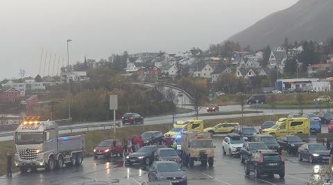 KRASJ: En lastebil krasjet onsdag med en personbil i Tromsdalen.