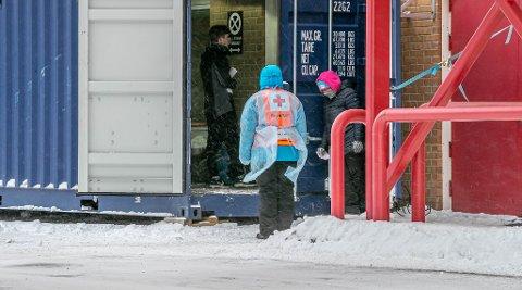 Korona. Tromsø preges mer og mer av Koronaviruset. Unn og Tromsø Sentrum.Korona. Unn. Testing av helsepersonell. Foto Torgrim Rath Olsen