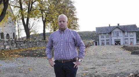 VEDTATT NEDLAGT: – Dramatisk, sier reiselivssjef og leder i pilegrimsrådet for Granavollen, Arne-Jørgen Skurdal. Foto: Marit Skjøtskift