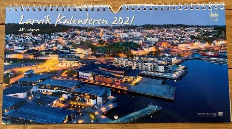 2021: Neste års kalender med bilder fra Larvik er klar for salg.