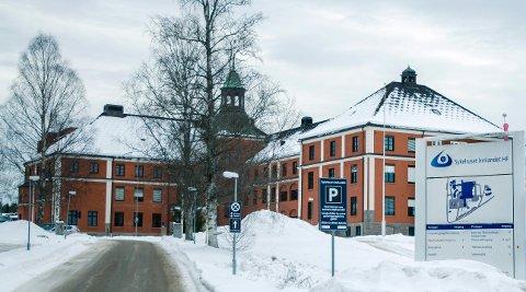 MANGLENDE OPPMØTE: Sykehuset Innlandet sliter fortsatt med at mange pasienter ikke møter til avtalt time. Doblet gebyr for ikke å avbestille i tide har ikke fått bukt med problemet.