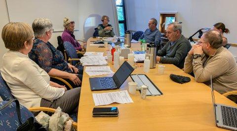 RÅDET: Fra venstre: Olaug Sletten, Karin Kastet Herstadhagen, Jane Odden, leder Wenche Berg, Ole Enger, Christina Beck Jørgensen, Gerhard Rundberget og Dag Sondre Peikli.
