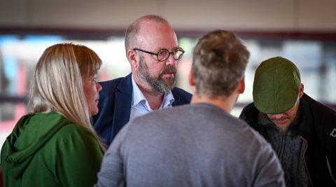 Ordfører Geir Waage og Rana kommune kan få 21,53 millioner kroner ekstra å rutte med etter Helgeland Krafts salg av Helgeland Invest-aksjer.