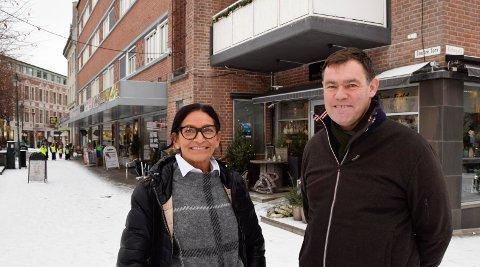 SNAKKET SAMMEN: - Det er ikke noe problem å samarbeide med denne mannen, sier Silvana Lopes Ullern etter at Frederik Skarstein har satt med husleien ikke bare for Stua-Fjeld, men for alle i første etasje i Bryggerigården.