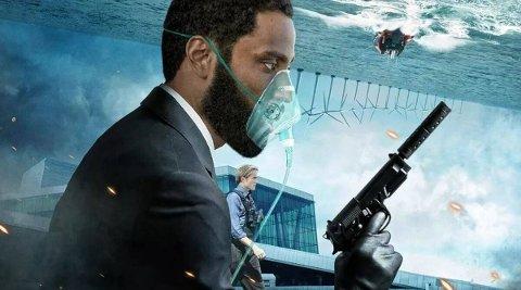"""HVA SÅ VI NÅ? Denzel Washingtons sønn er helten i den komplekse thrilleren Tenet, som er en ny """"mindbender"""" av en film fra den beste nålevende regissør i forhold til seerstemmegiving, Christopher Nolan. Men han kunne gjort det enklere for oss..."""