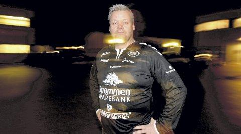 Umulig situasjon: Sportssjef Svein Strømberg i Rælingen håndballklubb regner med at sluttabellen i eliteserien vil bli etter kun halvspilt liga. Det betyr i så fall at Rælingen må vinne deres siste kamp, mot Larvik. De har ikke spilt kamp siden 15. november.