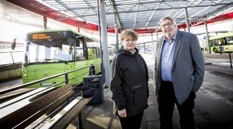 Vil ha fortgang: Ordfører i Skedsmo Ole Jacob Flæten (Ap) og ordfører i Lørenskog Ragnhild Bergheim (Ap) vil i gang med prosjektering av  bane allerede til neste år. FOTO: Lisbeth Lund Andresen