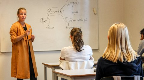 Ingen fulltidsutøver: Karoline Strømberg jobber som lærer på Hammer ungdomsskole. Foto: Martin Holterhuset
