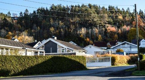EIENDOMMER: Store tomter med eldre bebyggelse kan være interessente for både privatpersoner og utviklere, her et motiv fra Kamfjord, som av administrasjonen er pekt ut som ett av fem områder særlig egnet for fortetting med større leilighetsbygg.