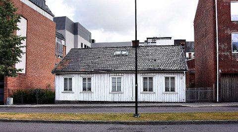 REPARERT: Hemfosa har sørget for nødvendig reparasjon av Korsgata 3. Det har vært vurdert å flytte bolighuset, men det viser seg å være for kostbart.