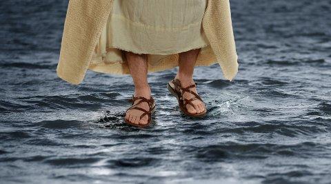 Mange nordmenn tror at Jesus gikk på vannet.
