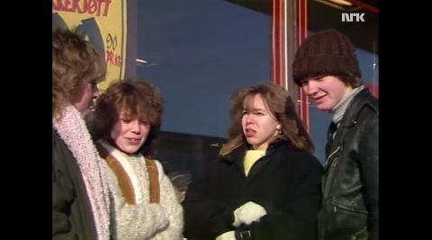 Disse ungdommene laget en film om hvordan det var å være ungdom i Sola i 1985. Den viste de til politikerne i håp om at de skulle bedre ungdomstilbudet i kommunen.