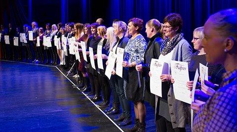 Torsdag kveld deler fylkeskommunen ut fag- og svennebrev til over 800 rogalendinger. 181 av fjorårets nye fagarbeidere er fra Sola.