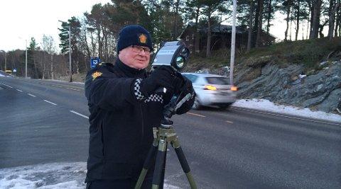 UP-betjent Ole Vollan målte fem for fort ved rensvik skole.