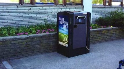 REKLAME: Det kan bli tommelen ned for reklamefinansierte spøppelbeholdere med lysreklame i Tønsberg sentrum.