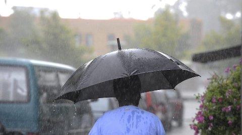 GRÅTT: Det er meldt ustabilt vær med innslag av regn hele uken.