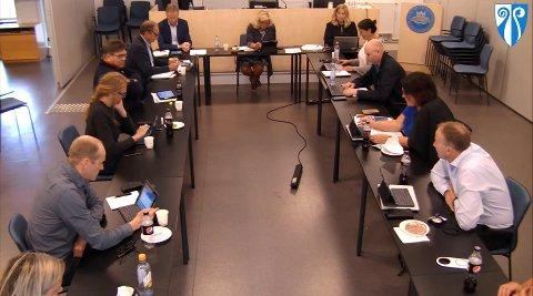 RASKT AVGJORT: Kommuneplanutvalget, som består av partienes gruppeledere, behandlet ikke videre utredning av fastlandsforbindelsen i mandagens møte.