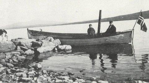 Aursund II: Slik så Aursund II ut da den gikk i rutetrafikk på Aursunden. Bildet er brukt i boka Innsjødampen - Rutebåter på Trøndelags innsjøer 1871-1978, og ble utlånt av Olga Johnsen, Glåmos.