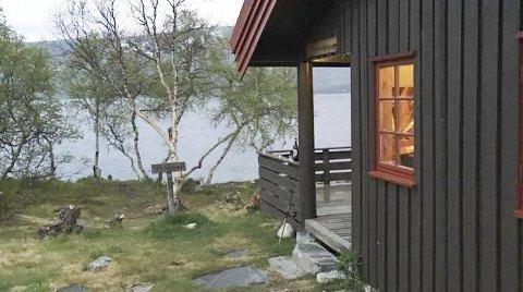 Torbudalshytta: Torbudalshytta er den største fjellstyret har med åtte sengeplasser. Den ligger like ved Torbuvatnet og er stort sett utleid hele sommersesongen.