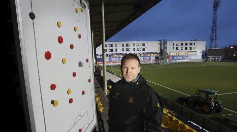 Skal få brikkene på plass: Morten Kalvenes er Bodø/Glimts nye assistenttrener, og skal sammen med resten av teamet sørge for at de gule brikkene blir plassert riktig i år. Foto: Tom Melby
