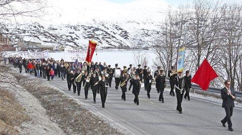 1. mai-feiringen i Sulitjelma er en sterk tradisjon, som i år avlyses på grunn av koronapandemien.