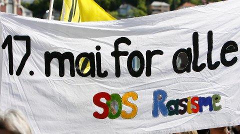 Organisasjonen Sos Rasisme preget samfunnsdebatten i en årrekke frem til medlemsjukset ble avdekket i 2009. Her fra 17-maitoget i Bergen i 2008.