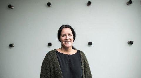 Stressforsker Anette Harris ved institutt for samfunnspsykologi        sier utfordringer knyttet til stress er et samfunnsansvar. FOTO: SKJALG EKELAND