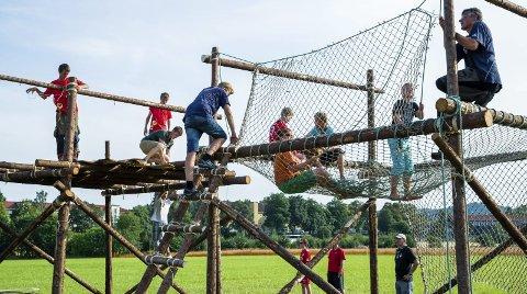 FRIVILLIGHET STÅR BAK: Mange bruker mye av sin fritid på å legge til rette for andres aktiviteter og gleder. Illustrasjonsfoto: NTB scanpix