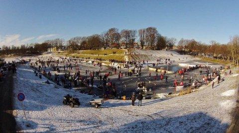 Vollgravene 2015: «Vollgravene Winter Classic» ble en stor suksess med rundt 3.000 besøkende i 2015. I år gjør man et nytt forsøk.