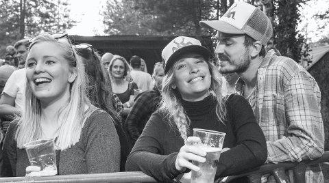 SER: Nærhet og glede i ett bilde av Gunnar Johnsen: – For en festival, musikkglede, vennlighet og en utrolig god stemning på Audunbakken.