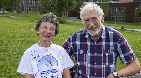 Globetrottere: Marit Øyrås (76) og Willy Bjørn Øyrås (75) deler Daniel Larssons interesse for amerikanske stater. Nå har de alle statene på lista.