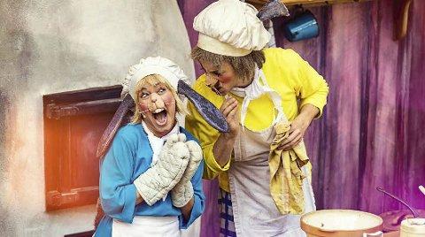PEPPER: Harepus får pepper når han bruker en kilo framfor en teskje pepper i kakene.BILDER: Ole Martin Buene, Dyreparken.