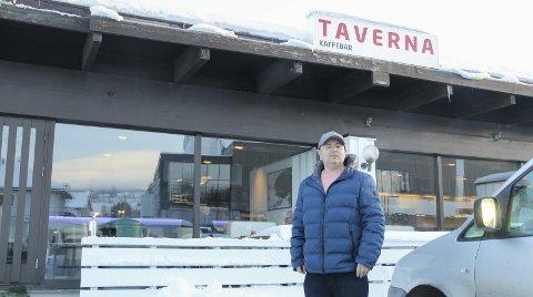 KJEMPEFORNØYD: Thomas Skjerpen er glad over hvordan publikum har tatt imot nyåpningen av Taverna.