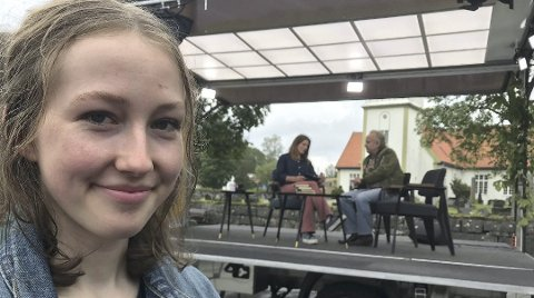 PÅ NRK: Leah og Levi Henriksen briljerte som datter og far og forfattere da NRK filmet første episode av NRK2s bokekspedisjon «Ord vi deler». Programmet går på NRK2 nå på torsdag.