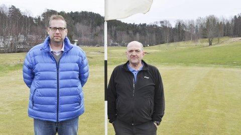 NYANSATT: Nyansatte Leif Thore Mørk og leder Kåre Thorvaldsen i Halden Golfklubb gleder seg til å sette i gang nye prosjekter.