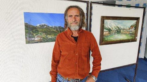 Stiller ut: Kjetil Bjerkelien har salgsutstilling i andre etasje på Hardanger Hotel fram til 26. juni. Hans første separatutstilling noensinne. Foto: Privat