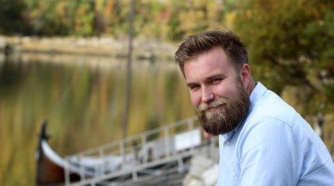 Åpen: Marius Sjømæling (32) vokste opp med en rusavhengig bipolar mor. Som generalsekretær i Barn av rusmisbrukere ønsker han å gjøre en forandring. Foto: Stine Skipnes