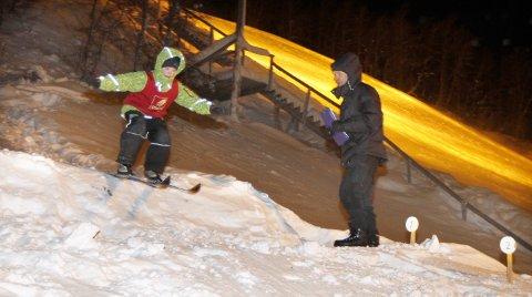 AKTIVITETSDAG: I kveld starter Vefsn Hopp og Mosjøen IL Ski med skiskloe i Storhaugen.