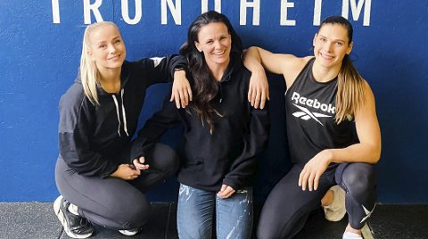 CROSSFIT TRONDHEIM: Matilde Øyen Garnes (24) og Ingrid Jacobsen Tøndel (23) har kjøpt Crossfit Trondheim sammen med Jannicke Lyse Aagaard (45). Foto: Privat